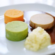 medisterkake-gulrot-brokkoli-potetmos-180x180